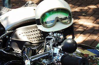 helmet-1368871_1920